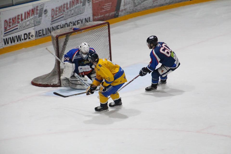 HIJS Hokij Den Haag Tilburg Trappers ijshockey Face-Off