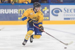 Saale Bulls Tilburg Trappers Max Hermens Face-Off