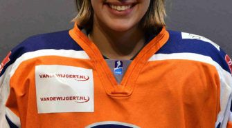 Zoe Strijland Nederland U18 Ijshockey Face-Off