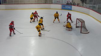 Mexico U18 Spanje U18 WK ijshockey Face-Off
