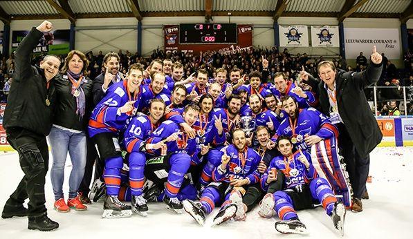 UNIS Flyers Heerenveen Final Four IJShockey face-off