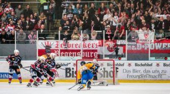 Eisbären Regensburg Tilburg Trappers Oberliga Playoffs IJshockey Face-Off