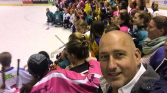 Girls Only Hockey Face-Off IJshockey